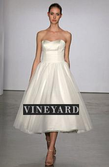 vineyarddresslogo